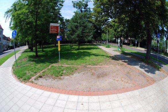 Fundament der Trinkhalle von Ludwig Mies van der Rohe
